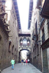 Rue du quartier gothique Barcelone.