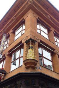 La rue Celetná maison cubiste vierge noire Prague.