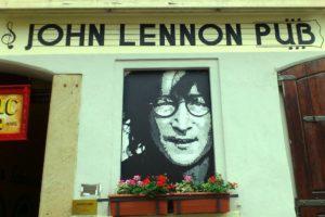 Façade John Lennon pub Prague.