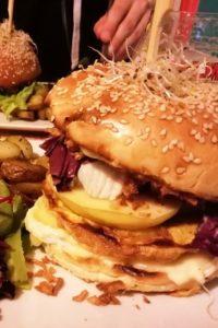 Hamburger du restaurant la Dinette Lille.