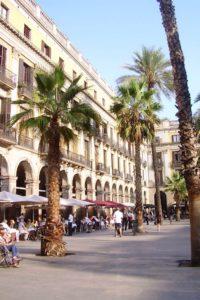 Place royale avec palmiers Barcelone.