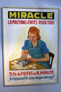 Ancienne affiche publicitaire au musée de la frite (Frietmuseum) à Bruges