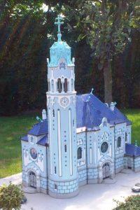 Eglise bleue de Bratislava parc mini-Europe Bruxelles.