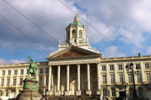 Palais royal Bruxelles depuis la place royale.