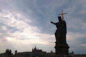 Statue de Saint du pont Charles Prague.
