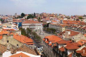 Vue sur la place Rossio depuis Chiado Lisbonne.