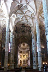 Intérieur du monastère des Hiéronymites Mosteiro dos Jerónimos Lisbonne.
