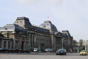 Palais royal de Bruxelles depuis la place royale.