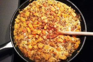 Poêlé de potimarron, lentilles, carottes, lait de coco en fin de cuisson
