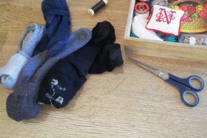Chaussettes à repriser et accessoires de couture