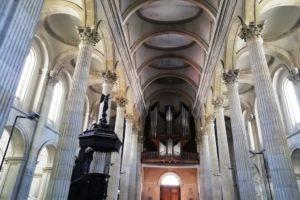 Intérieur de la basilique Notre-Dame à Boulogne-sur-Mer