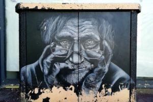 Street-art sur comptcur électrique à Boulogne-sur-Mer