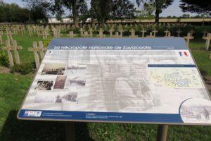 Panneau de la nécropole nationale de Zuydcoote