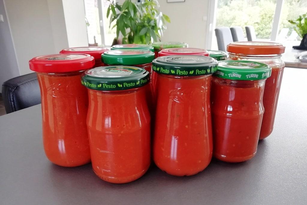 Pots de sauce tomate fait-maison