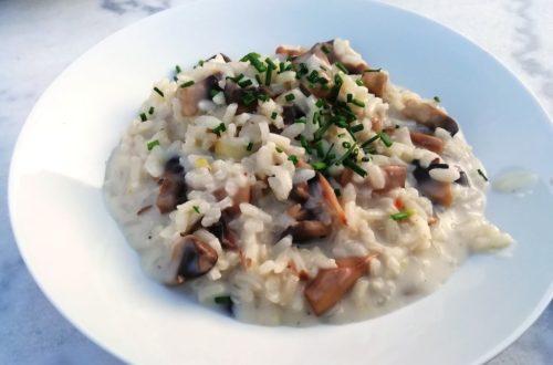 Assiette de risotto prête à déguster