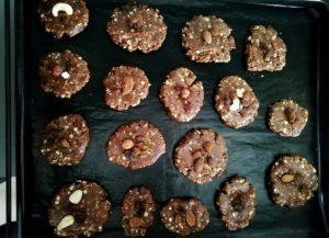 Cookies avant cuisson sur la plaque