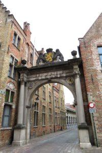 Porte dans la ville